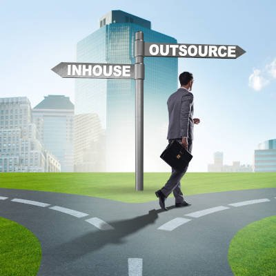 297957724_outsource_in-house_400.jpg